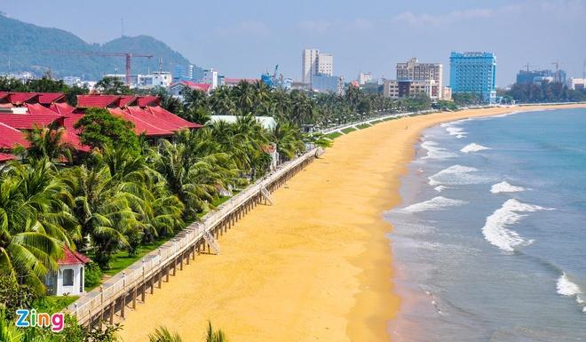 Bãi biển cạnh Quy Nhon Melosy